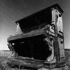 Long Aeolian Piano / Gordon Monahan