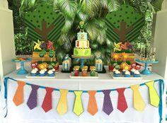 Atencion Atencion Cake Table