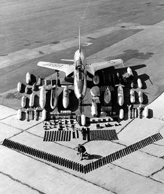 STRANGE LITTLE USAF MILITARY JET WITH FULL COMPLEMENT OF ARMAMENT - BOMBS - ROCKETS - BULLETS - DOES ANYONE RECOGNIZE THIS MODEL?