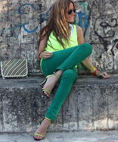 Con sandalias y collar de Zara SS12