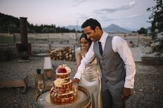 A gorgeous naked three tiered wedding cake in Wanaka, NZ Fresh Cake, Creative Wedding Cakes, Wedding Desserts, Dessert Table, Peppermint, Bespoke, Naked, Baking, Taylormade
