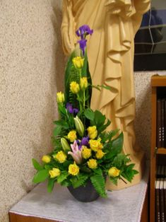 Daum 블로그 - 이미지 원본보기 Alter Flowers, Church Flowers, Funeral Flowers, Fake Flowers, Flowers Garden, White Flowers, Yellow Flower Arrangements, Contemporary Flower Arrangements, Funeral Flower Arrangements