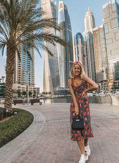 Dubai Vacation, Dubai Travel, Dubai Trip, Best Places In Dubai, Dubai Beach, Dubai Desert, Travel Pose, Dubai Houses, Dubai Architecture