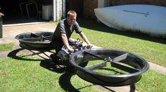 Descubre la primera motocicleta voladora que parece salida del futuro