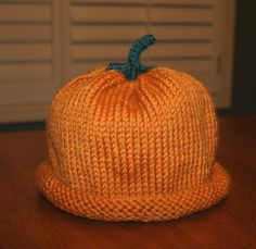 Free Pattern for knitted Pumpkin Hat