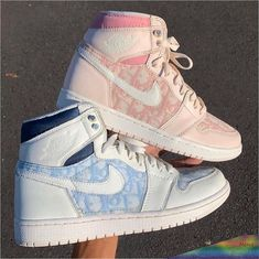 ✔ Fashion Shoes Sneakers Trainers Source by shoes sneakers nike Dr Shoes, Cute Nike Shoes, Tennis Shoes Outfit, Swag Shoes, Cute Nikes, Cute Sneakers, Nike Air Shoes, Hype Shoes, Men Sneakers