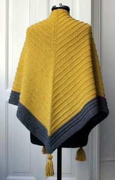 Strik til dig Archives - susanne-gustafsson. Knitted Shawls, Knitted Bags, Crochet Shawl, Knit Crochet, Big Knit Blanket, Big Knits, Stockinette, Pulls, Knitting Patterns