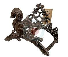 Attrayant Hose Holder Cast Iron Squirrel Mr Gecko Decorative Hose Reel Hanger Antique  Rust