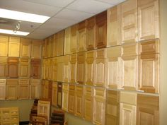 How to hang the cabinet doors Kitchen Cabinets Showroom, Bathroom Cabinetry, Door Displays, Cabinets And Countertops, Kitchen Views, Laundry In Bathroom, Hanging Shelves, Cabinet Makers, Cabinet Doors