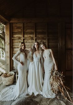 Foraged florals - Celebrating the beauty of water-wise foraged styling / White Magazine Venue - Rockhaven Farm, Elgin  Wedding Gowns - White Lilly Bridal at The Perfect Match  Decor & Floral installation - Paradiso Flowers  Coordinating - Creation Events  Concept & Execution - Creative Consultant  Bridal vellies - Veldskoen shoes  Ceramics - Klomp Ceramics  Hombre dining chairs & light - Louw Roets  Hair and Make-up artists - Anchor and Rose & Sophie Jean