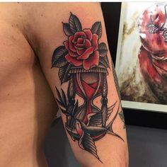 Flor Oriental Tattoo, Oriental Tattoos, Hourglass Tattoo, Neo Traditional Tattoo, Tatting, Body Art, Piercings, Oscars, Tattoo Art