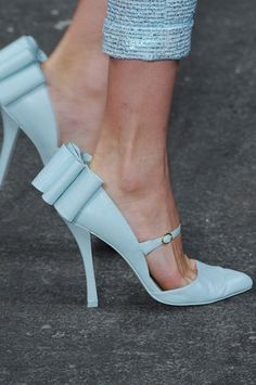 christian siriano, wedding shoes, heel, blue shoes, something blue, bow, spring 2013, baby blues, siriano spring