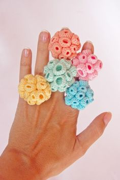 Crochet ring is an easy to make ornament form crochet. There are different crochet patterns available in the web to help out beginners in this craft. Crochet Metal, Crochet Fish, Freeform Crochet, Crochet Art, Cute Crochet, Crochet Crafts, Yarn Crafts, Crochet Flowers, Crochet Projects