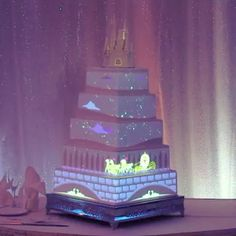 A deeper look at our brand new cake projection mapping technology.  #Disney #cake #weddingcake #animation