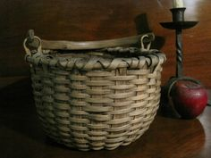 ANTIQUE  1800S Taconic Taghkanic Bushwhacker Woven Swing Handle Basket | eBay   sold   272.00.     ~♥~