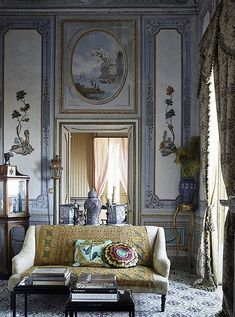 This stunning Italian villa in Architectural Digest France is everything we've ever dreamed of!