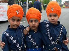 Turban display uncovers Sikh history ~ An exhibition | SikhNet