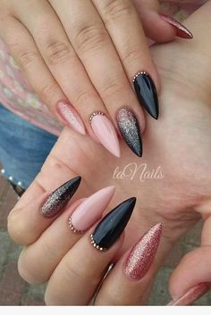 NagelDesign Elegant Nails elegant manicure nageldesign Best Picture For Glitter food For Your Taste You are looking for something, and it is going to tell you ex Black Acrylic Nails, Stiletto Nail Art, Black Nail Art, Almond Acrylic Nails, Coffin Nails, Matte Black, Pink Black Nails, Dark Nails With Glitter, Black Wedding Nails