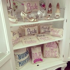 Bags and shoes in Melle Cloche.