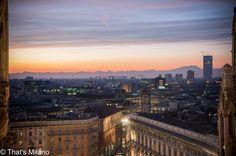 Punti di vista privilegiati#milano#milanodavedere#tramonto#ig_milano#duomo#duomodimilano#milanobynight#picoftheday#photooftheday#photo#sunset#sunset_pics#love#colors#sky#city#l4l#like#followme#milanogram2016#photosunsets_nat#happy#thanks#tagsforlikes#nikon by simo.shoes