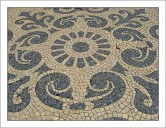 Calçada Portuguesa - Sim ou Não ? - SkyscraperCity Mosaic Patterns, Pattern Art, Crazy Paving, Mosaic Artwork, Pebble Mosaic, Mosaic Garden, Wall Cladding, Walkways, First World
