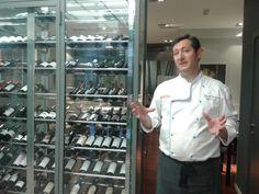 Josechu Corella nos da la bienvenida a su restaurante Bal d'Onsera Chef Jackets, Coat, Fashion, Restaurants, Sewing Coat, Moda, La Mode, Coats, Fasion