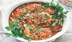 Turkey Burgers in Mushroom Gravy. Feeds Serve on top of mashed potatoes. I deglazed with red wine and used turkey and beef. Toddlers ate it up too. Turkey Dishes, Turkey Recipes, Chicken Recipes, Turkey Meals, Turkey Chicken, Healthy Menu, Healthy Eating, Healthy Recipes, Kitchen Dishes