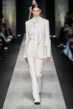 Nyc Fashion, White Fashion, European Fashion, Runway Fashion, Korean Fashion, Fashion Brands, Autumn Fashion, Fashion Weeks, 2000s Fashion