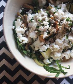 Lauwwarme courgettesalade. Recept hiervan op It's Pure Food