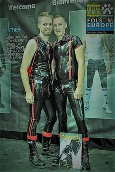 Mode Latex, Latex Men, Comfy Pants, Young Men, Gay Couple, Catsuit, Anime Guys, Men's Fashion, Tights