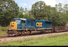 RailPictures.Net Photo: CSXT 4677 CSX Transportation (CSXT) EMD SD70M at North…