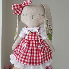 Traveling back in time. My last year favourite! Thinking of embroidering another pair of ears one day. Doll Clothes Patterns, Doll Patterns, Projects For Kids, Sewing Projects, Bunny Outfit, Little Bo Peep, Kawaii Doll, Fabric Toys, Sewing Toys