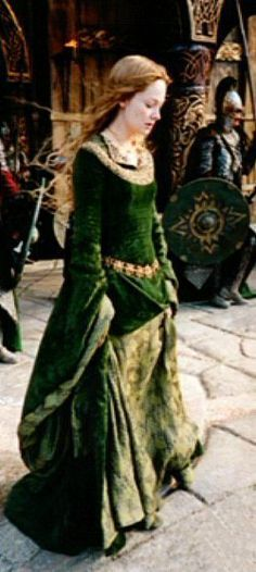 Aeowyn's green dress The Two Towers