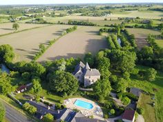 Château de Chanzé and pool from above