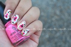 Freehanded Hibiscus #flowers! #nails #nailart