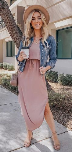 2c42211b2307d2 #spring #outfits im obsessed with this adorable pink dress Spring Work  Outfits, Casual