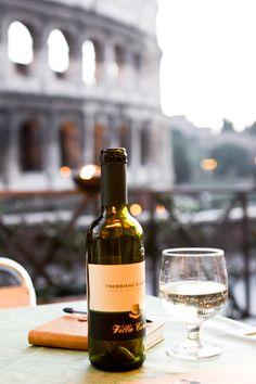 Vino in Rome Italian Life, Italian Style, Champagne, In Vino Veritas, Romantic Dinners, Romantic Picnics, Wine And Spirits, Fine Wine, Round Trip