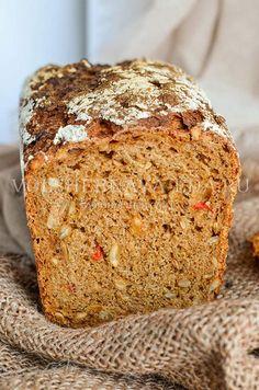 Ржаной хлеб с семечками и сладким перцем Bread Recipes, Vegan Recipes, Biscuit Bread, Flatbread Pizza, Breakfast Cake, Chocolate Cookies, Macaroons, Food Photo, Banana Bread