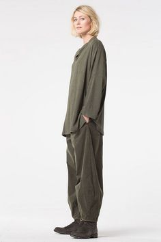 Order our Trousers Viorella from our OSKA Autumn/Winter 2017 collection today Minimal Outfit, Minimal Fashion, Modern Fashion, Boho Fashion, Fashion Outfits, Womens Fashion, Fashion Ideas, Oska Clothing, Clothes 2019