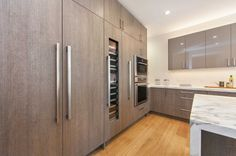 I love a modern kitchen!