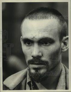 "1976 Press Photo Actor Steve Railsback stars in ""Helter Skelter - Press Photo, Joker, Actors, Ebay, Image, Things To Sell, Link, The Joker, Jokers"