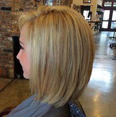 Love this cut - Frisuren - Hairdos Ideas Medium Hair Cuts, Short Hair Cuts, Medium Hair Styles, Short Hair Styles, Haircut And Color, My Hairstyle, Hair Affair, Hair 2018, Layered Hair