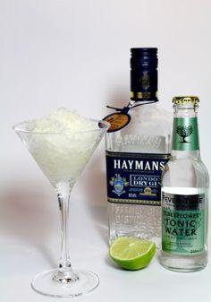 Gin & Tonic Elderflower Granita - The perfect dessert for any fancy dinner! :D