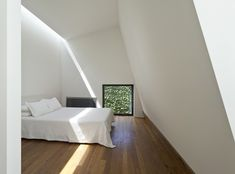 Law Street House by Muir Mendes - the light is amazing!