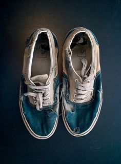 sneaker perfection.   [RIP Vans via Surf Collective NYC]