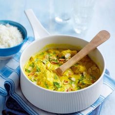 This delicious guilt-free Korma is normally cream-laden. Itl tastes just as good if ylou swap the cream for quark, a soft creamy cheese. Quark Recipes, Veggie Recipes, Great Recipes, Chicken Recipes, Dinner Recipes, Cooking Recipes, Healthy Recipes, Healthy Food, Veggie Meals