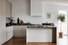 The Best 2019 Interior Design Trends - Interior Design Ideas Home Interior, Kitchen Interior, New Kitchen, Kitchen Dining, Kitchen Decor, Interior Design, Design Interiors, Modern Scandinavian Interior, Scandinavian Kitchen
