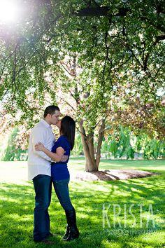 beautiful spring engagement photos