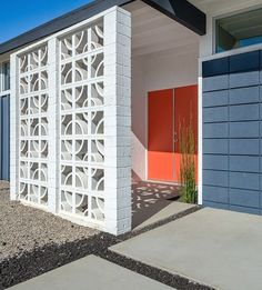 Los Angeles Home Staging Home Staging, Palm Springs Mid Century Modern, Breeze Block Wall, Mid Century Exterior, Building A Porch, House With Porch, Modern Landscaping, Modern Exterior, Mid Century House