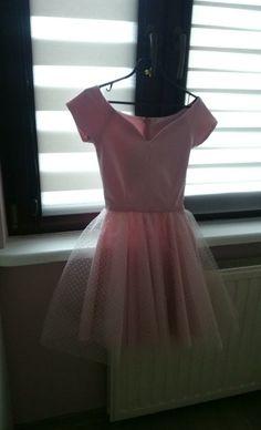 Sukienka z tiulem w kropeczki, pudrowy róż, mosquito - vinted.pl
